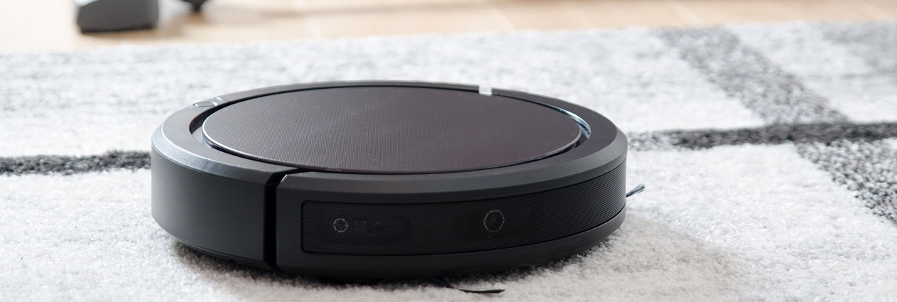 Robot Vacuum on carpet - Remove Dust - Criterium-Jansen